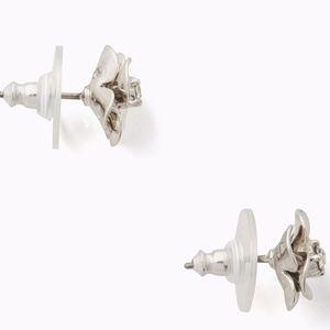kate spade Jewelry - NWT~KATE SPADE~Shine on Flower Studs, Silver~CUTE!